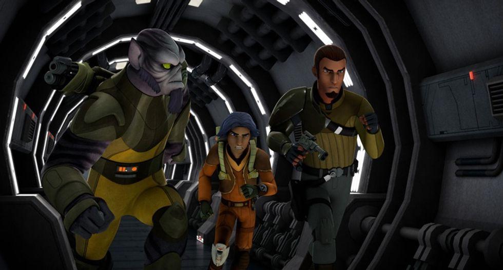 'Star Wars' fans crash ticket sites as new trailer premieres