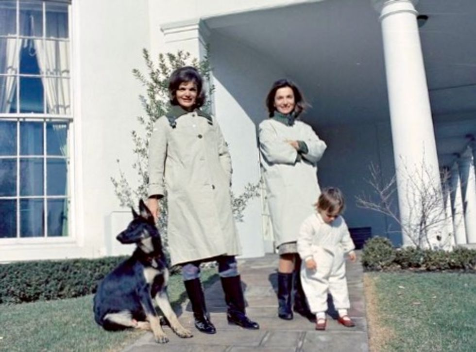 'Nobody's kid sister': Lee Radziwill, Jackie Kennedy Onassis' younger sister, dies at 85