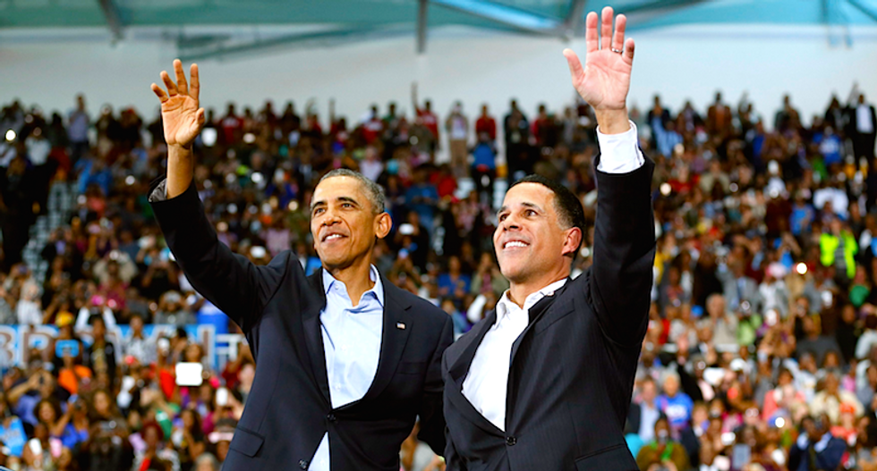 Obama makes rare campaign appearance, but some leave early