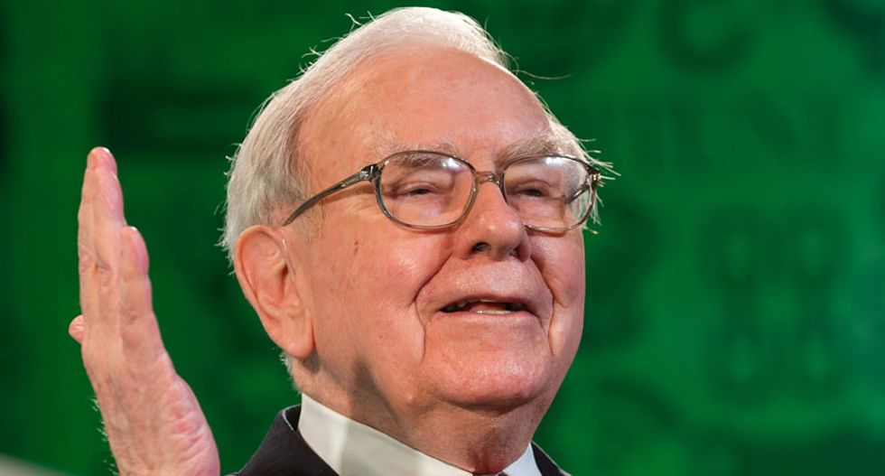 Warren Buffett rips candidates for 'negative drumbeat' on economy: 'That view is dead wrong'
