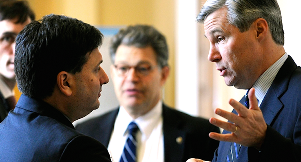 Ebola czar dismissed as political operative by GOP, hailed as problem solver by Dems