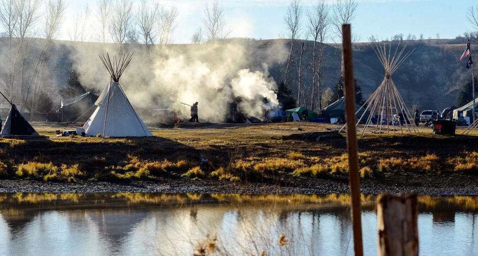 Police confront protesters at Dakota pipeline site: Reuters witness