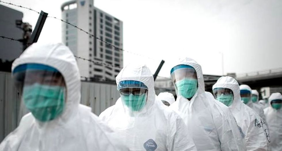 Experts worried over scale of China SARS-like virus as US airports start screening