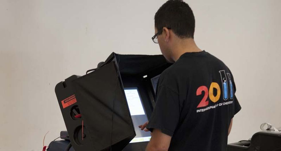 North Carolina voters report voting machines switching their votes to GOP candidate