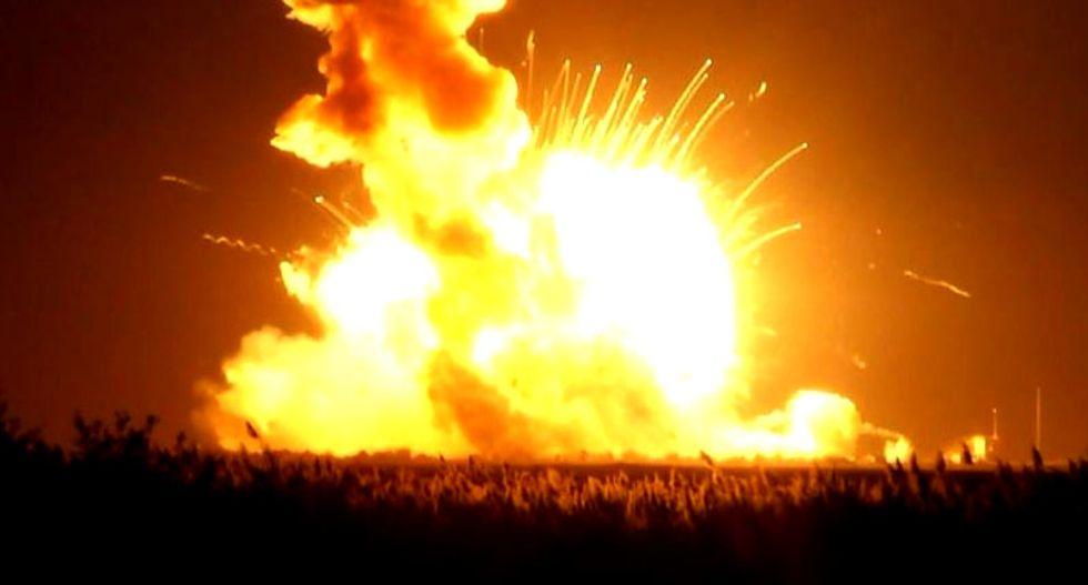 Orbital Sciences Corp blames rocket engine failure for launchpad blast