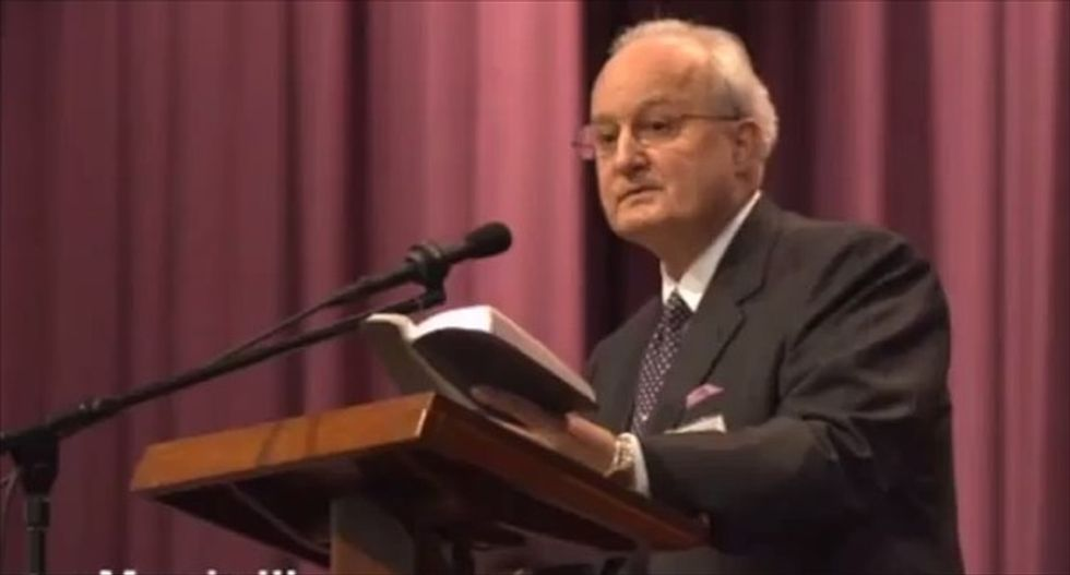 Jehovah's Witness leader complains: Gay people are plotting to put everyone in 'tight pants'