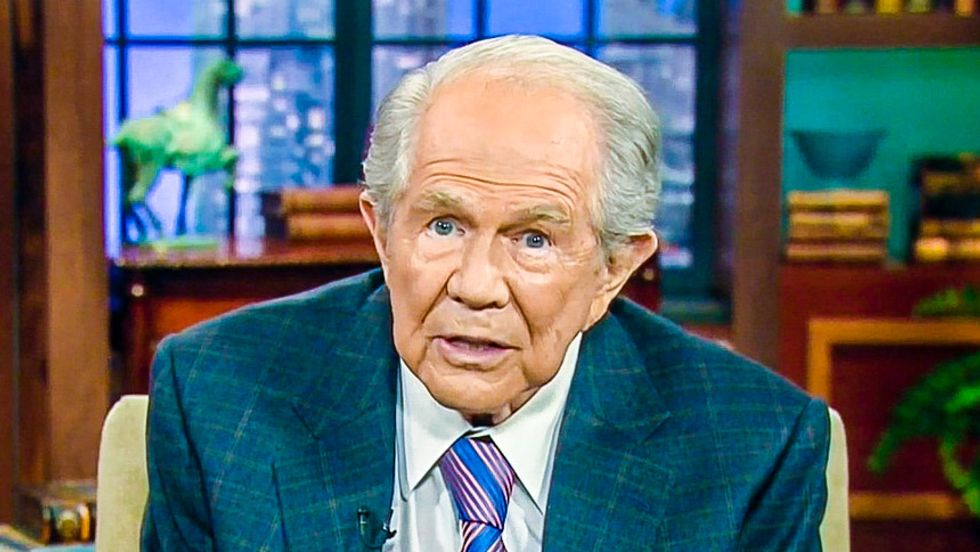 Pat Robertson: Single mother is 'tempting God' by not getting married