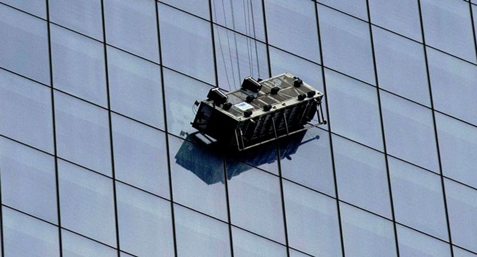 Two window washers rescued from scaffold dangling at World Trade Center