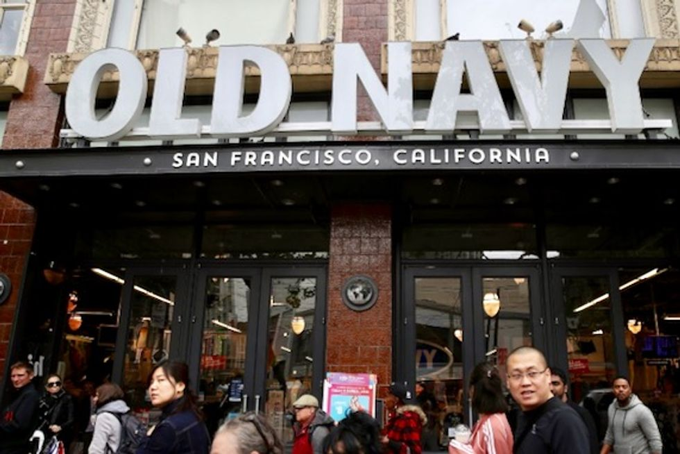 Gap Inc says it will split in 2 companies, close 230 stores