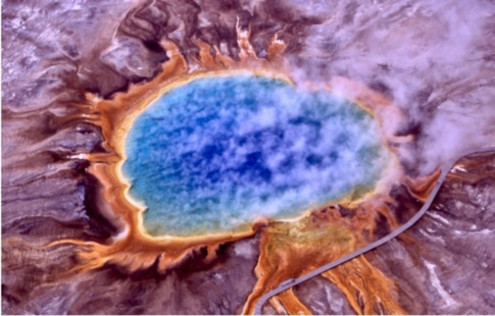 Researchers close in on the reactions which fed the first life on Earth