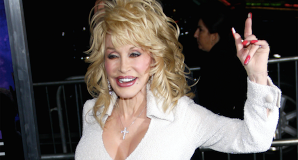Dolly Parton drops 'Dixie' from stampede show — and internet racists are having a white hot meltdown