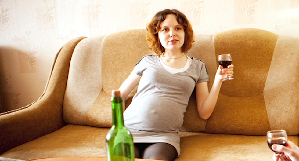 NYC Mayor de Blasio says bars cannot refuse to serve alcohol to pregnant women