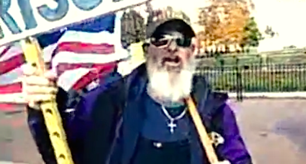 'American Freedom' protesters call for Obama's lynching: 'Hang the Kenyan traitor'
