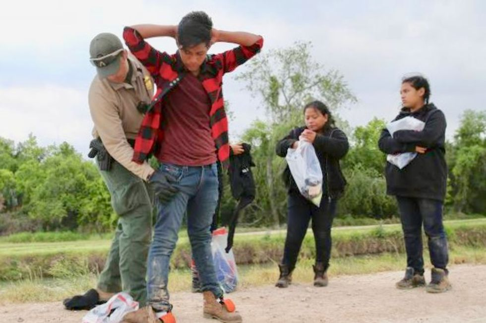 Feds plan mass migrant deportation operation in Houston this weekend: What you need to know