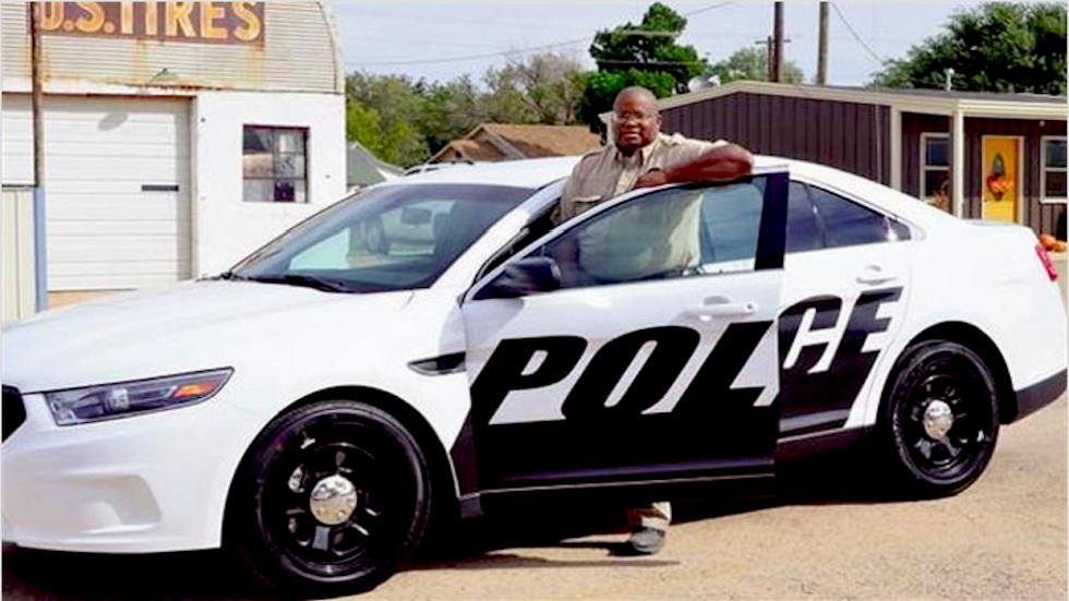 White 'survivalist' gunman shoots black Oklahoma police chief 4 times -- and walks free