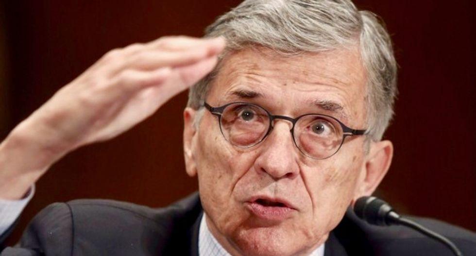 FCC chairman to step down, handing GOP majority