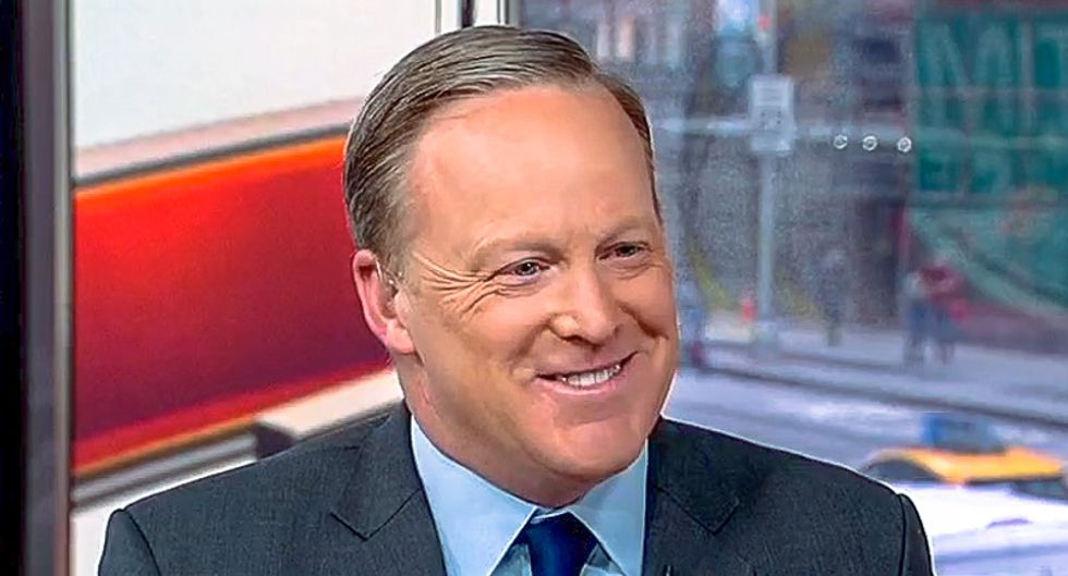 Sean Spicer: We should 'encourage' Trump to talk to Mueller's witnesses because he just says 'pleasantries'