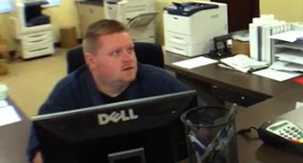 Deputy clerk vows to defy Kim Davis and continue issuing marriage licenses to gay couples