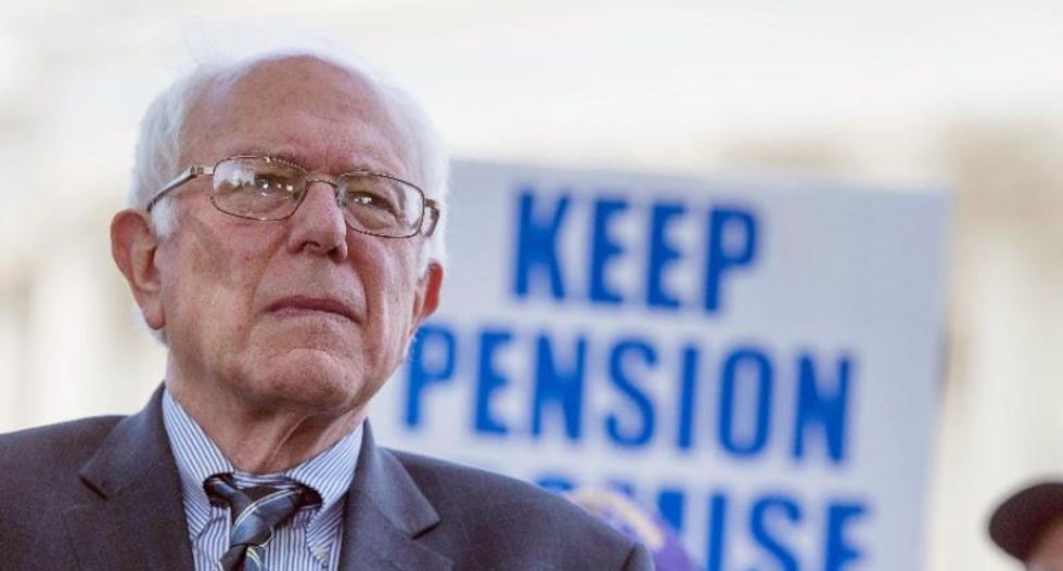 US postal workers union endorses Bernie Sanders for president in 2016