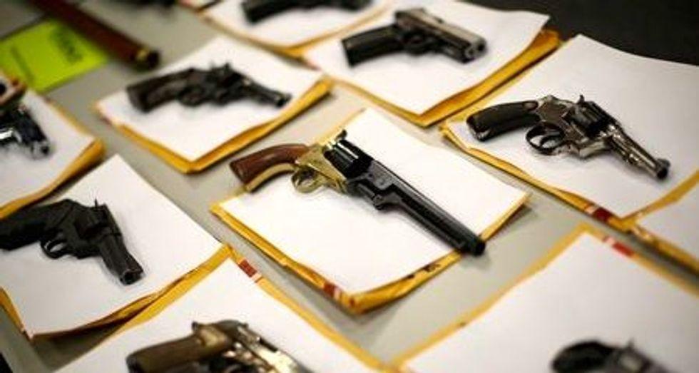 Chicago cops shift focus from drug arrests to illegal guns to stem gang violence