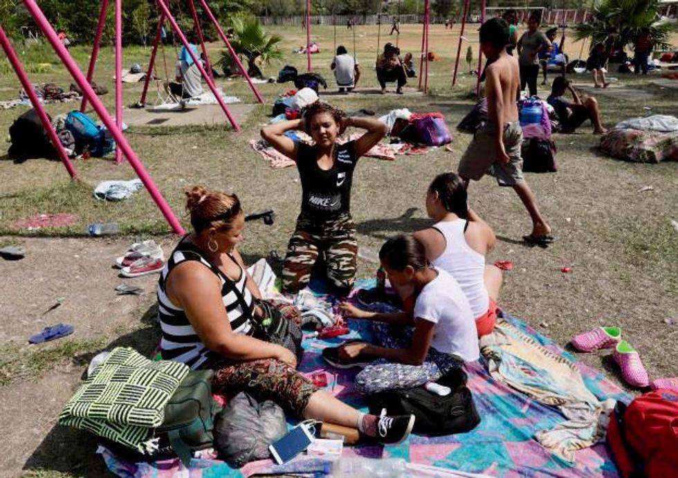 Migrant 'caravan' that angers Trump nears US-Mexico border