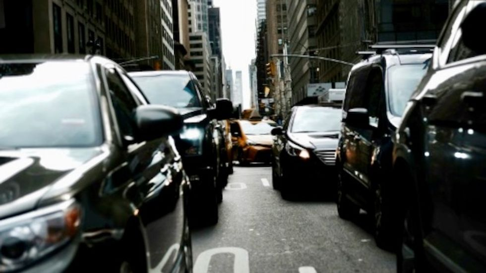 New York OKs driving licenses for undocumented migrants