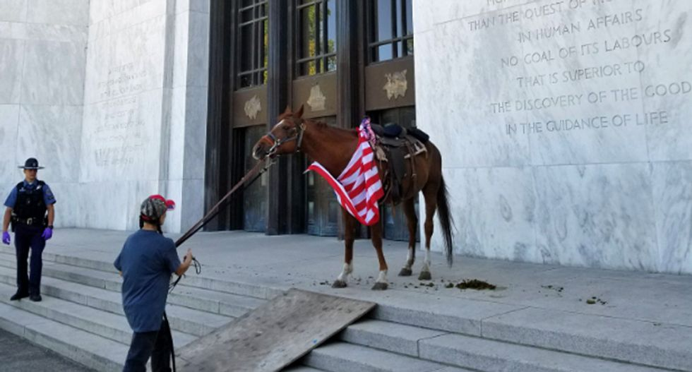 Oregon capitol covered in horse manure as Republican lawmakers remain on the lam