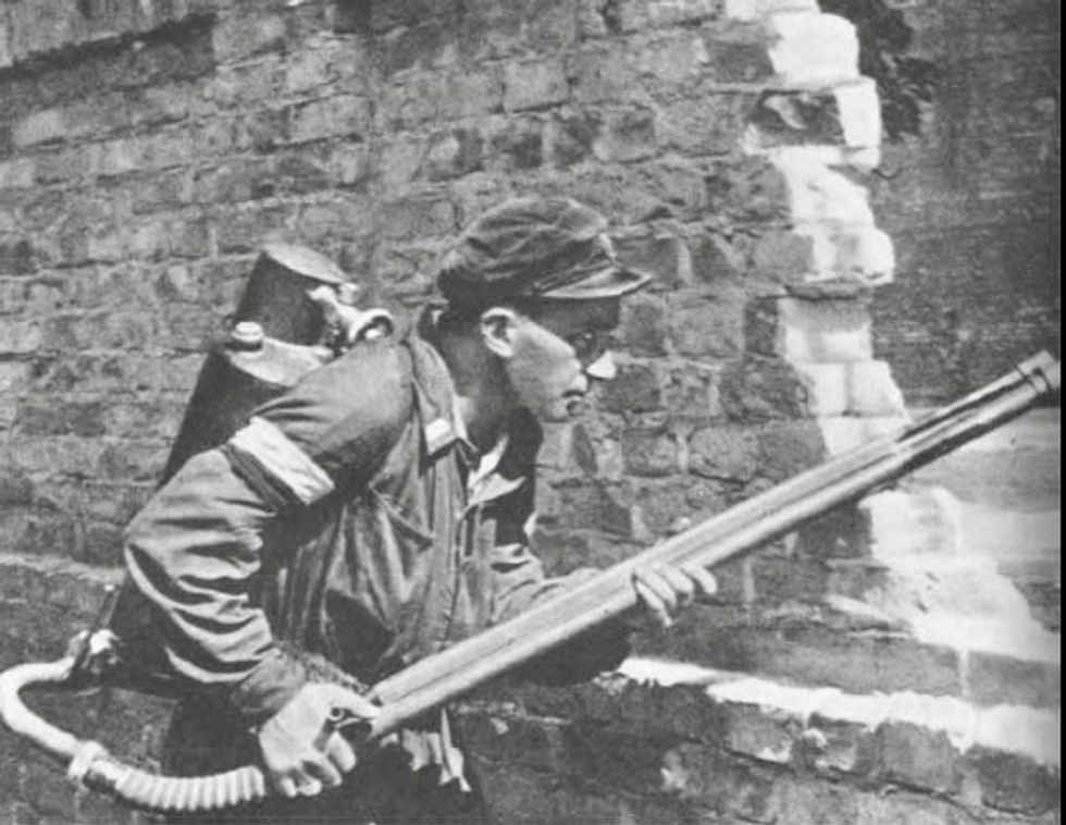 Poles pay homage 75 years since Warsaw Uprising