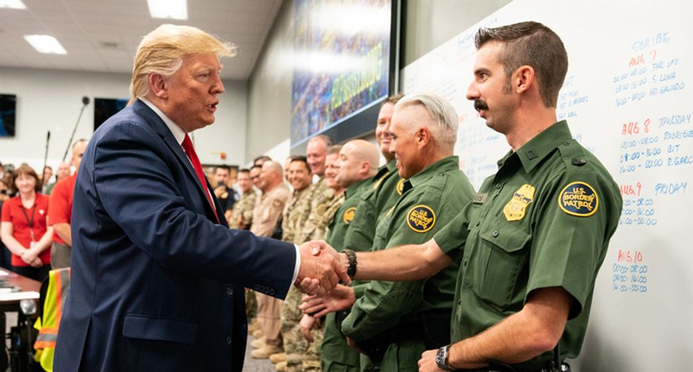US border agents will pursue migrants in 'sanctuary' cities