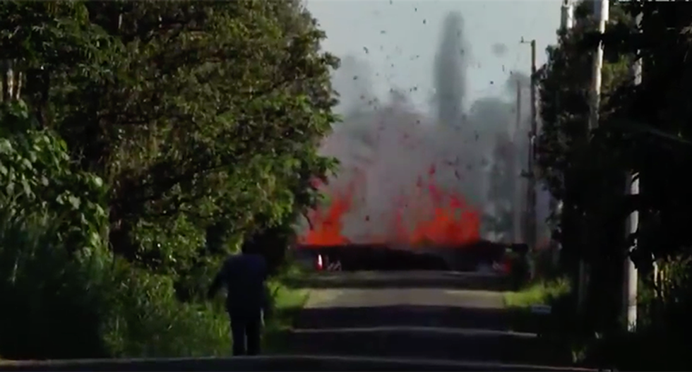 15 horrifying photos and videos after Hawaii has over 300 earthquakes and a volcanic eruption