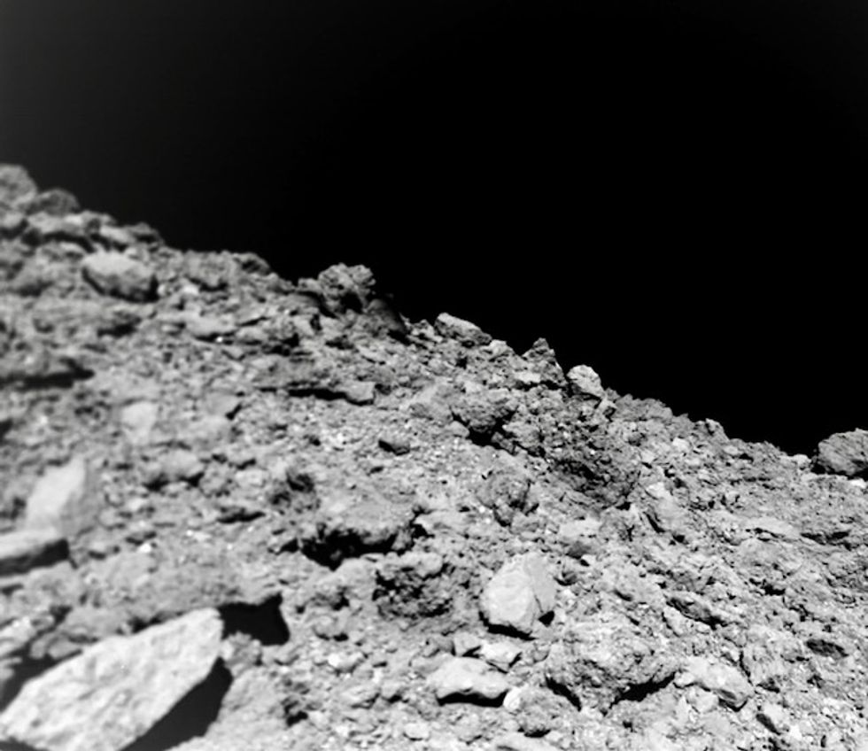 Asteroid dust collected by Japan probe arrives on Earth