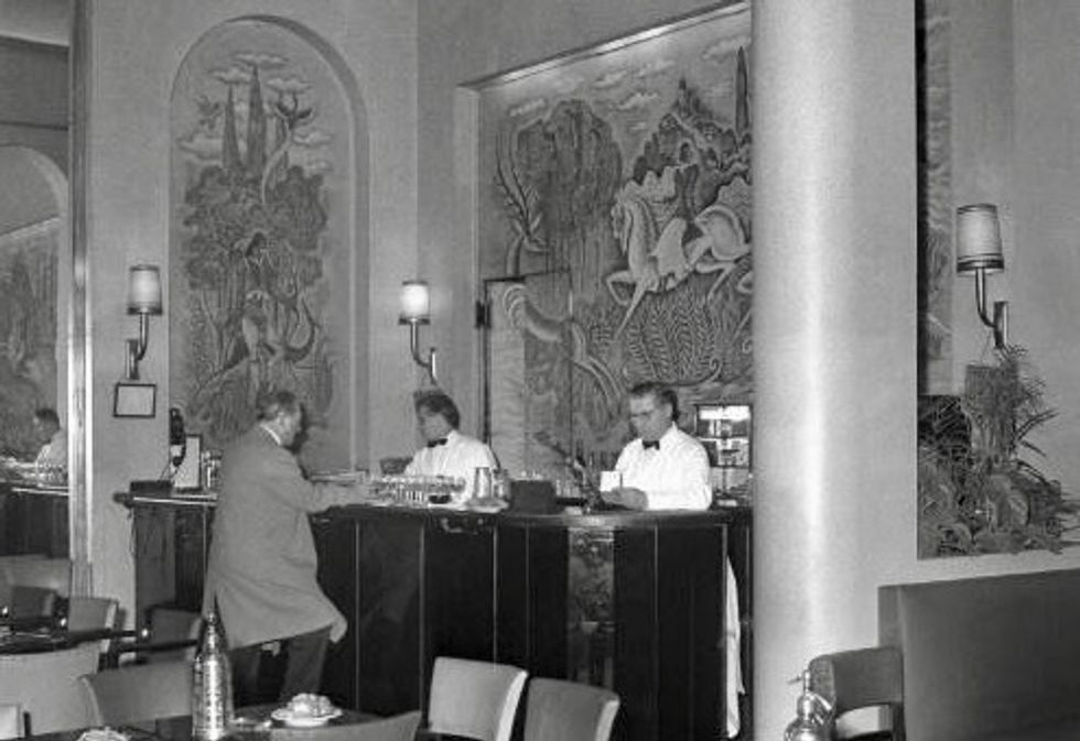 '51 dry martinis': The day Hemingway liberated the Ritz bar in Paris