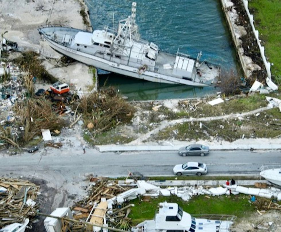 Hurricane Dorian lashes Carolinas after Bahamas havoc