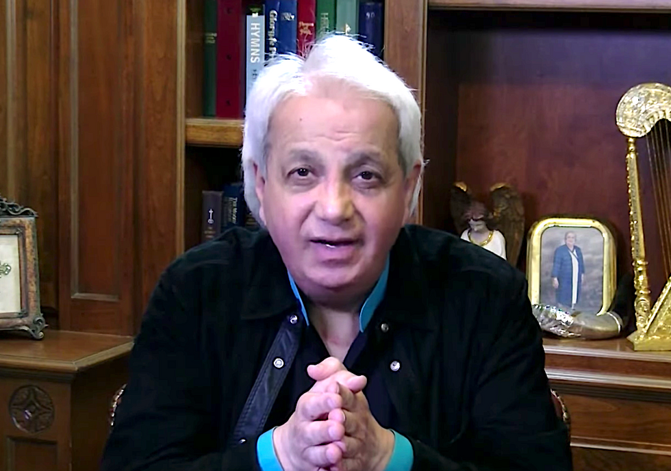 Evangelist Benny Hinn begs for donations just two days after renouncing prosperity gospel