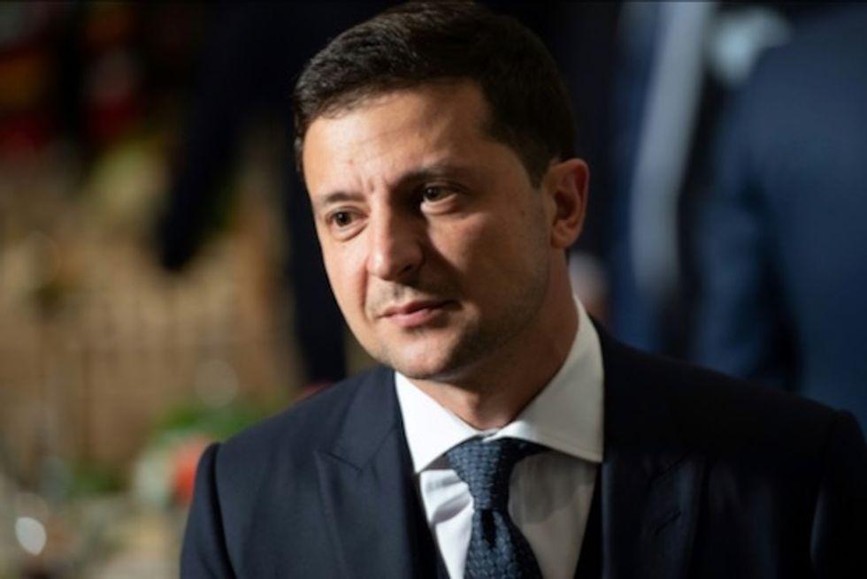 Ukraine leader Zelensky says troops must withdraw before Putin summit