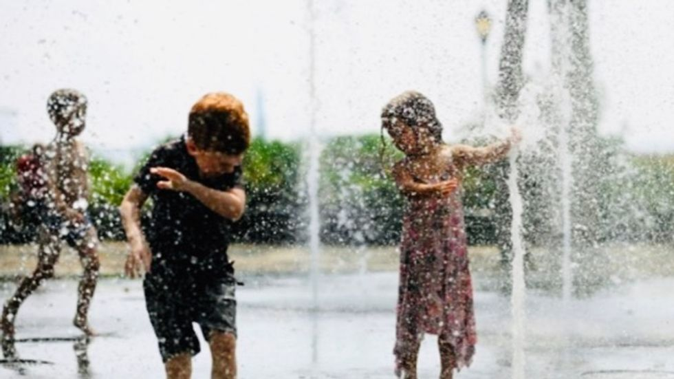 US sizzles in rare autumn heat wave