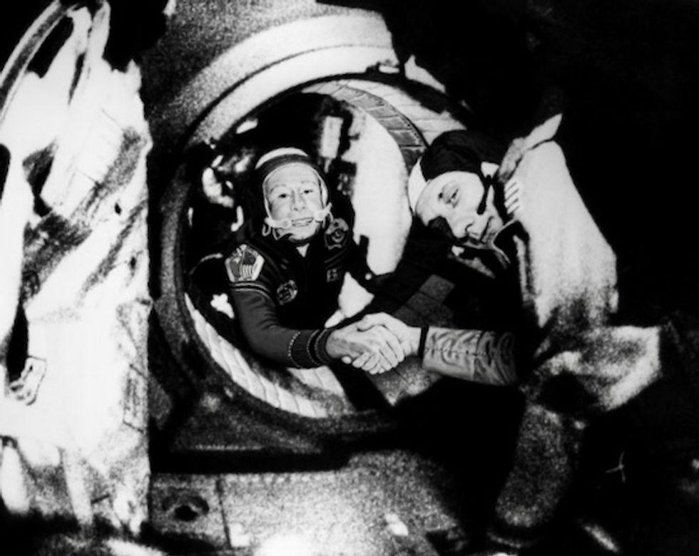 First man to conduct spacewalk, Alexei Leonov, dies