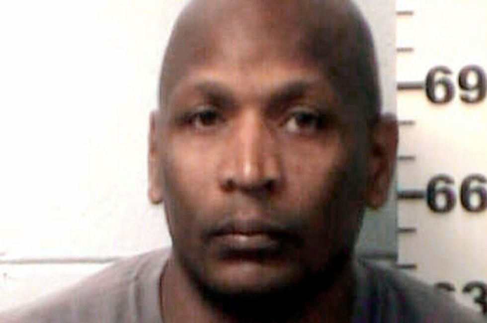 Former prison guard claimed he was a pastor -- and forced female inmates to be his 'sex slaves'