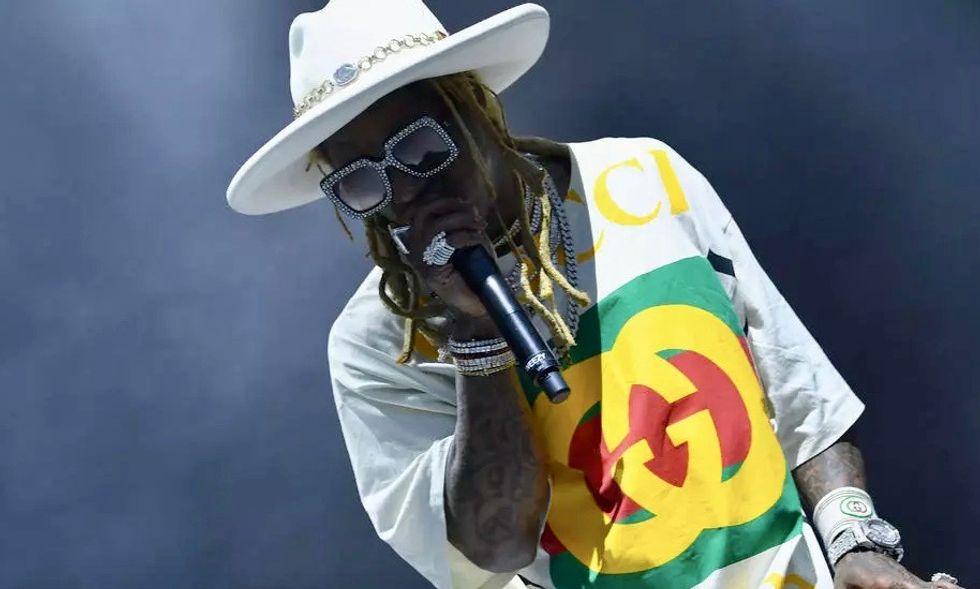 Rapper Lil Wayne faces federal gun charge in Florida