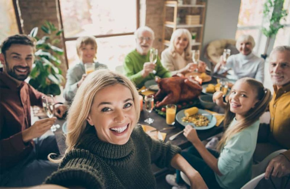Political polarization does not appear to be causing shorter Thanksgiving visits, according to new research