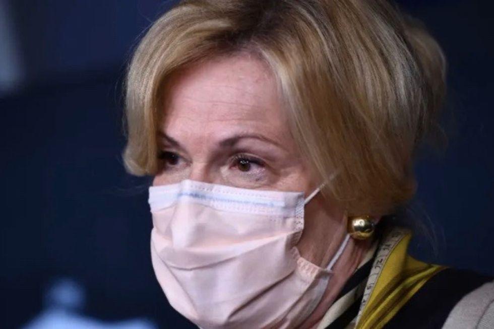 Top coronavirus aide warns US vaccination to take time