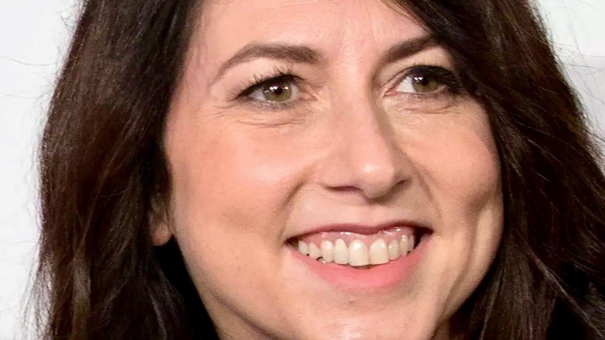 Amazon billionaire MacKenzie Scott marries Seattle teacher