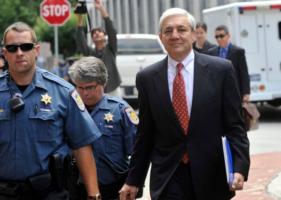 Ex-Penn State President Graham Spanier's conviction is reinstated by a federal appeals court