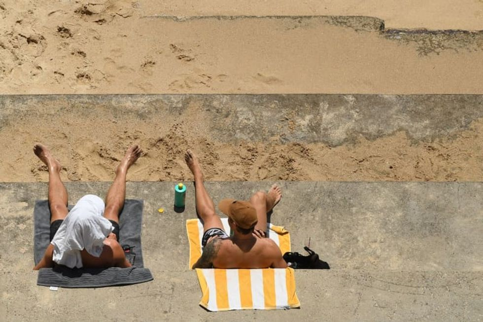 Temperatures top 104 as heatwave hits eastern Australia