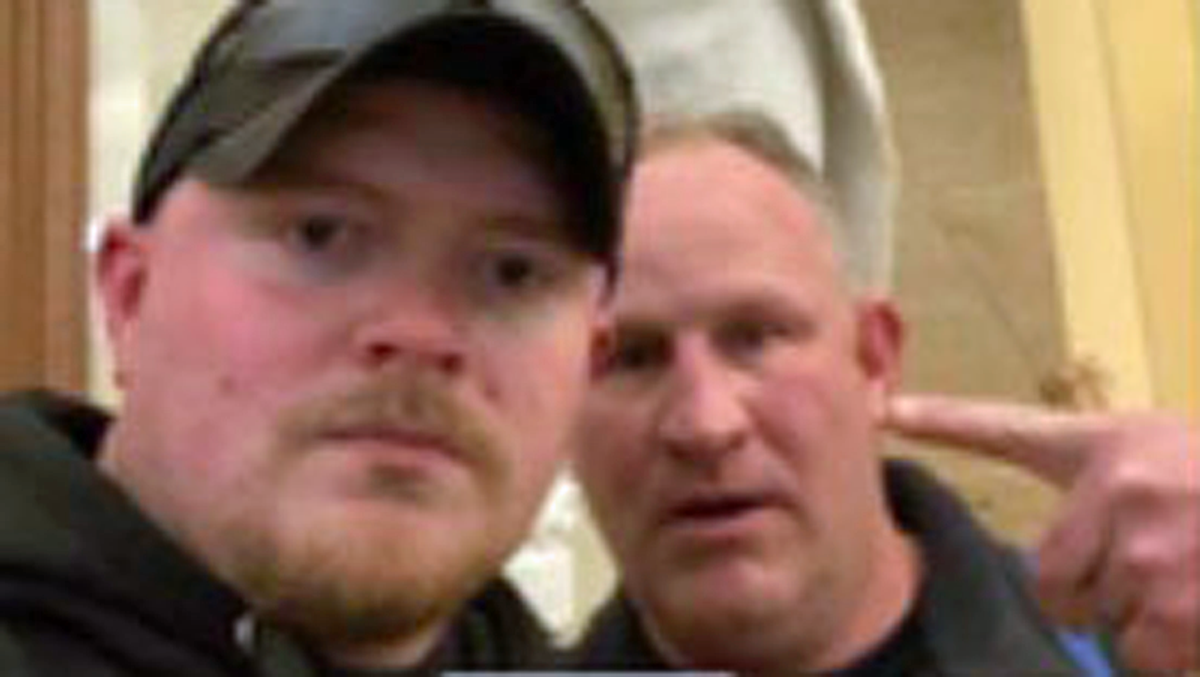 virginia-cops-hit-with-federal-charges-after-taking-selfie-during-insurrection-report