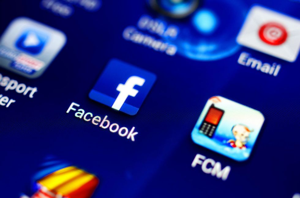 Nearly 1.6 million Illinois Facebook users to get about $350 each in privacy settlement