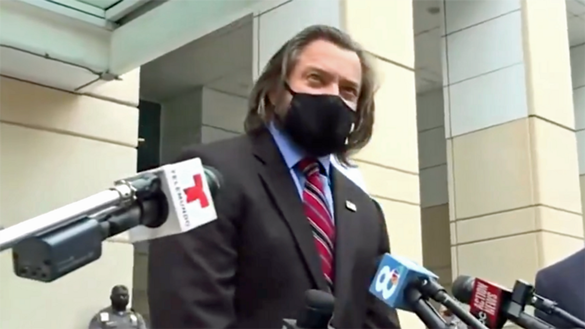 Attorney for insurrectionist admits evidence will be tough to defend against: 'I'm not a magician'