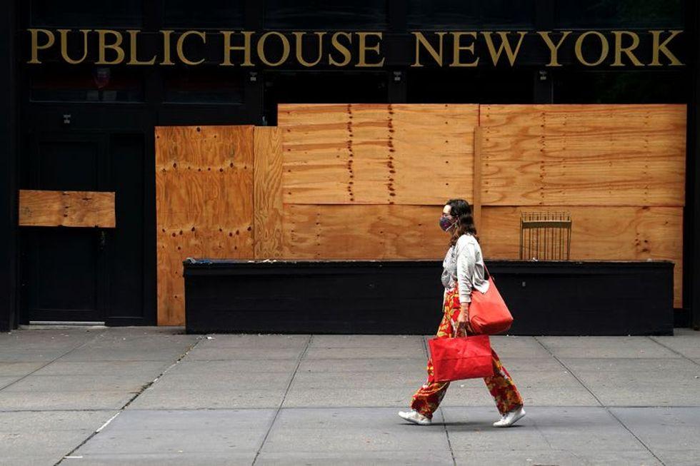 Dire unemployment forecast demands 'immediate action': White House advisers