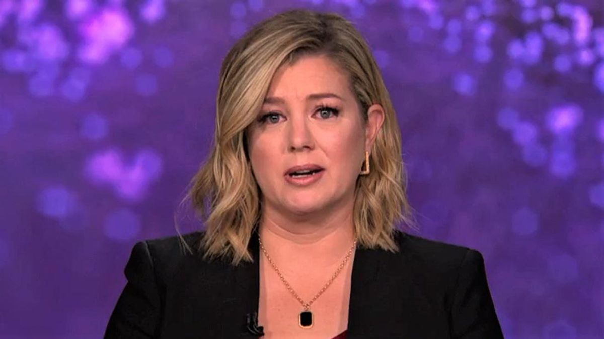 WATCH: CNN's Brianna Keilar tears up talking about 500,000 Americans who lost their lives to COVID-19