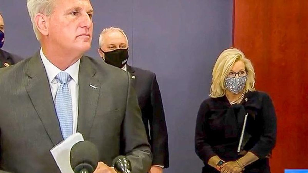 WATCH: Liz Cheney and Kevin McCarthy trapped in awkward silence after disagreeing about Trump's future